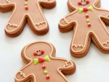 Gienger Bad Video & Recipe How to Make Gingerbread Cut Out Cookies